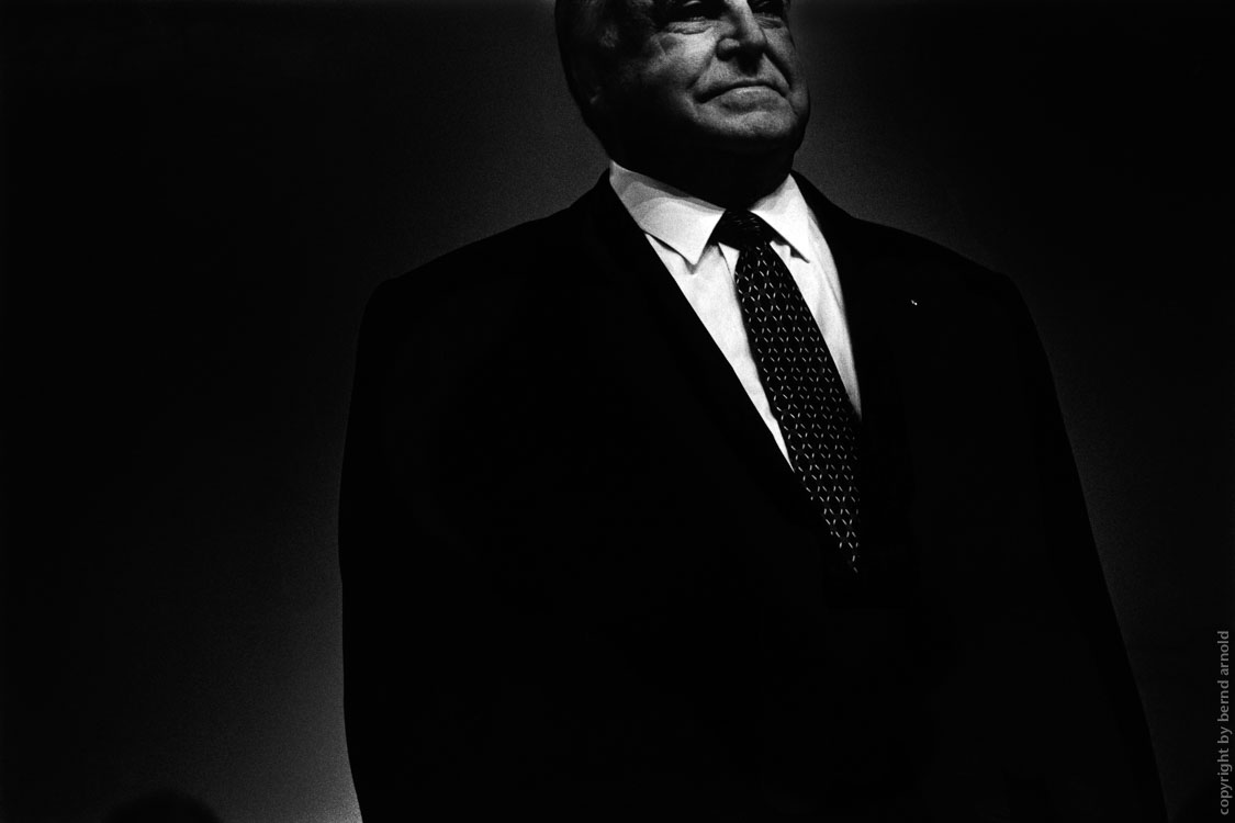rituals of election campaigns, photographic portraiture of chancellor Helmut Kohl
