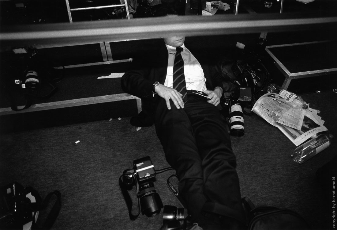 Economic Summits in Brussel - Photographer and photojournalist rests
